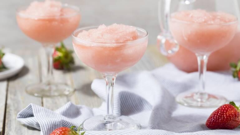 Vinski koktajl: obvezno razvajanje ob toplejših spomladanskih dneh